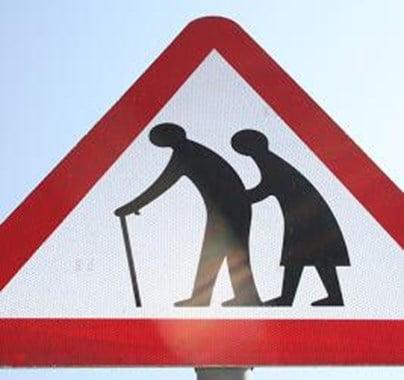 Panneau-attention-personnes-âgées
