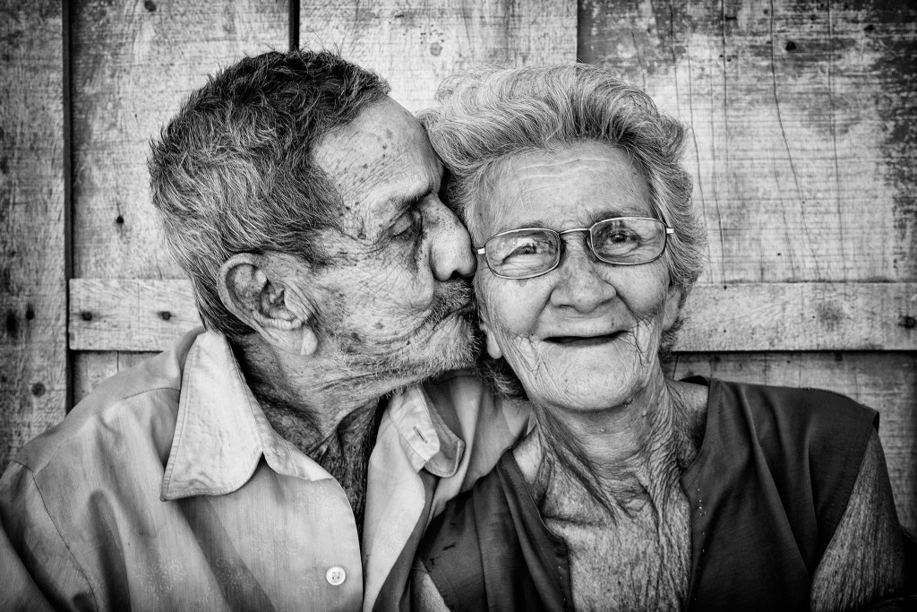 Image of: Images Old Lovers Silverecoorg Photo Contest Reveals Beautiful Ageing Silver Economy